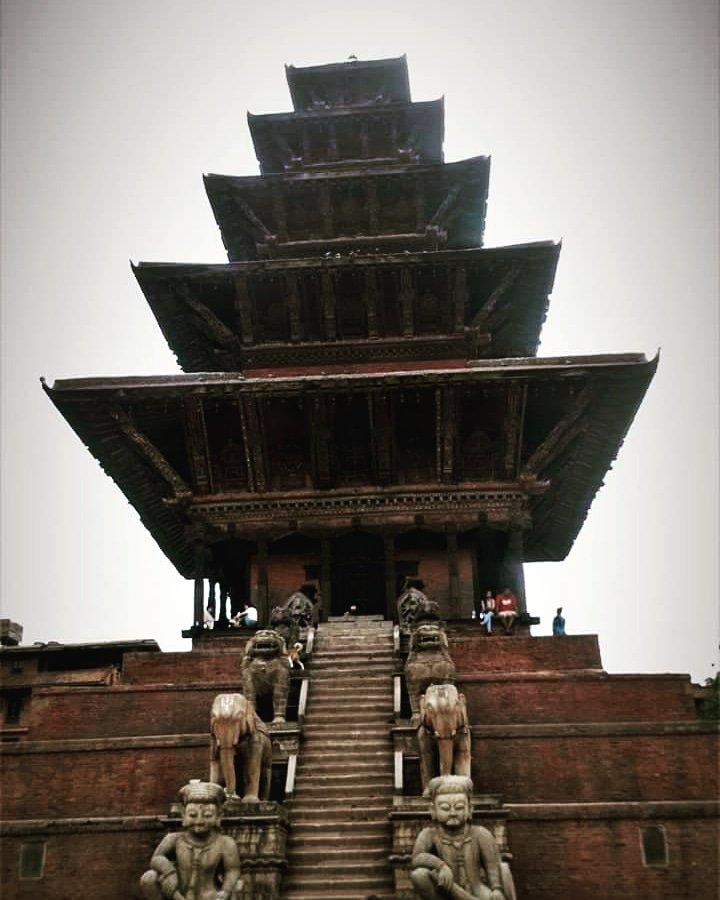 Brilliant architecture and woodcarving work, from 1700A.D. Bhaktapur Durbar Square. #tourdestination #Tourism #visitnepal #Kathmandu #Nepal #bhaktpur Nyatapola temple. Shidhilaxmi temple @darrengrimes_ @Jacob_Rees_Mogg @leethommo @JPickford1 @ToniKroos @BBCWorld @cnni<br>http://pic.twitter.com/NAAooyhv7y