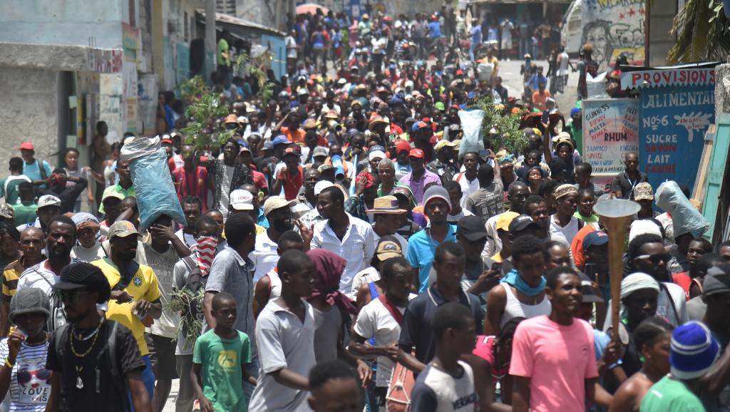 L'initiative anticorruption #PetroCaribeChallenge: de la Toile à la rue? https://t.co/jaSOY6M1q3