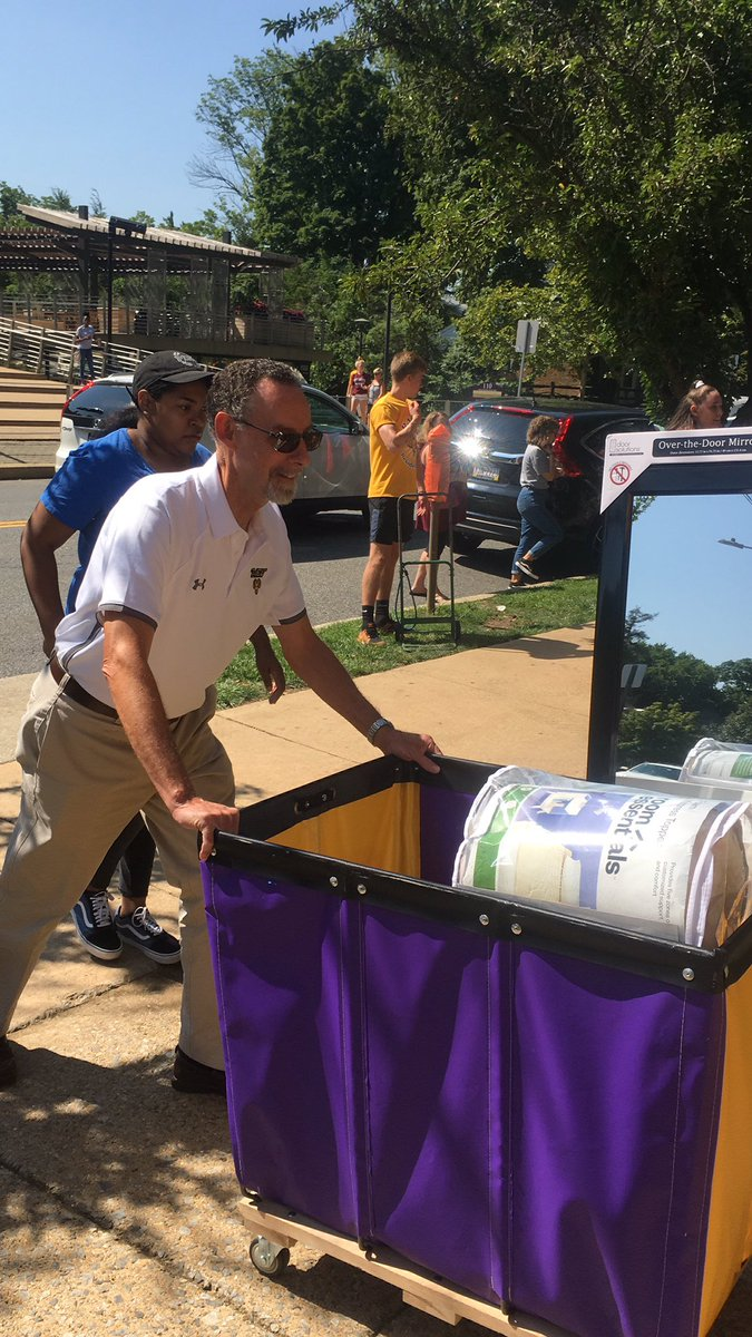 It's all hands on deck today! The President is pitching in too #moveinday #wcuprez #westchesteruniversity
