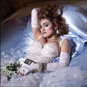 Quanti like per che oggi compie 59 anni?? Happy birthday to her