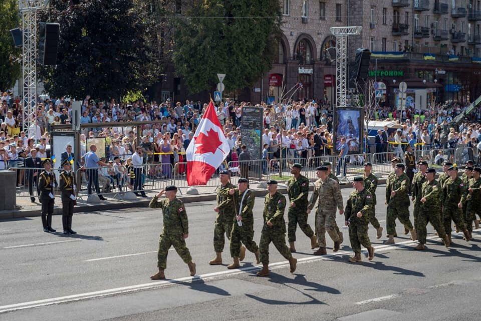 استعراض يوم الاستقلال الاوكراني 2018  DlXQ_YsU8AAFBAQ