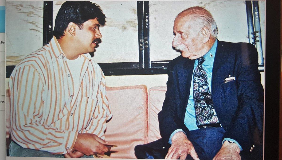 Fan moment with INDIAN FIELD MARSHAL GEN. SAM MANEKSHAH. JAIHIND https://t.co/BIGrNybBHP