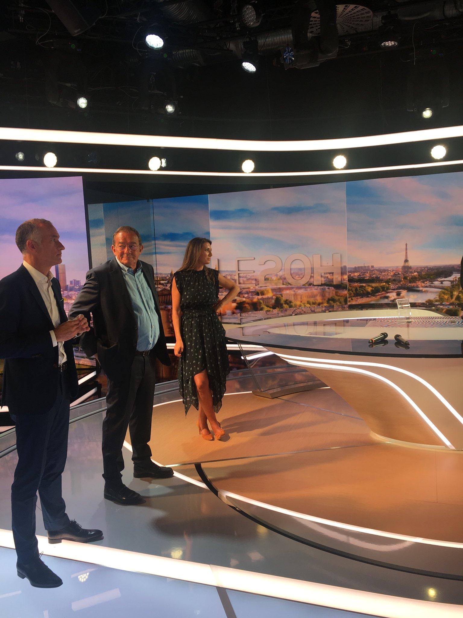 """TF1 Pro on Twitter: """"Le nouveau plateau des JT de @TF1 est ..."""