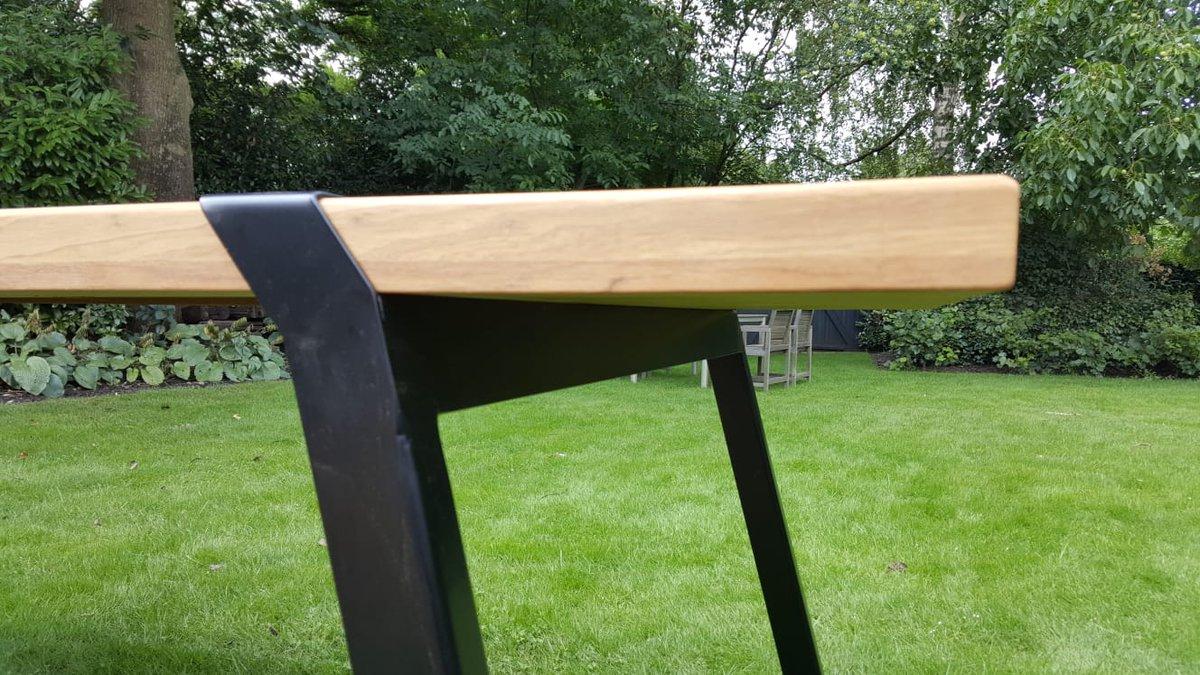 Stalen Design Tafel.Firmowood V Twitter Gaaf Design Van Zoethout Design Uit Deurne