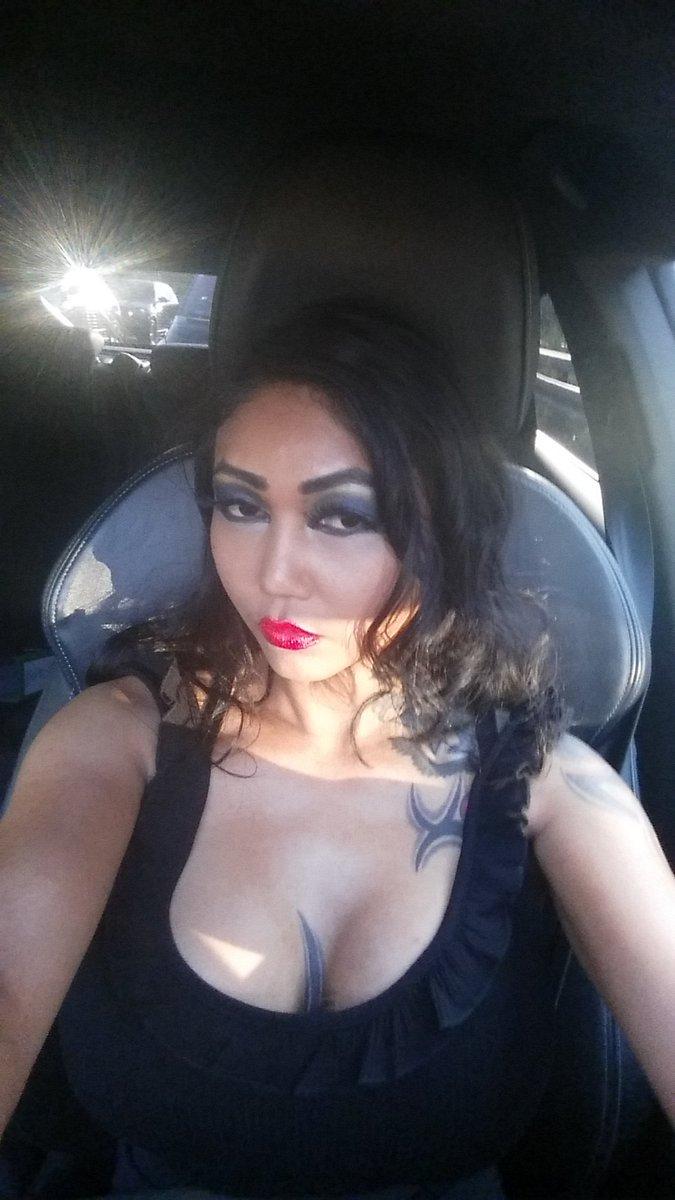 Twitter kim xxx Kim Kardashian