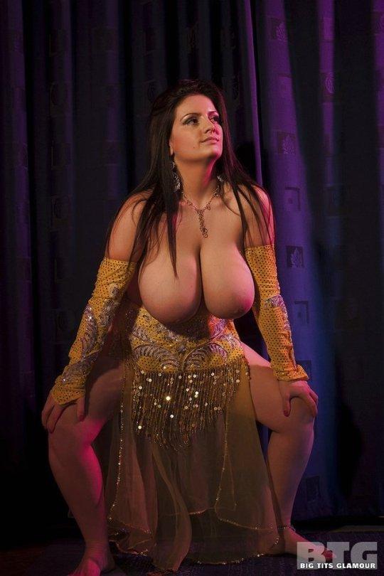 russian-topless-dance-video