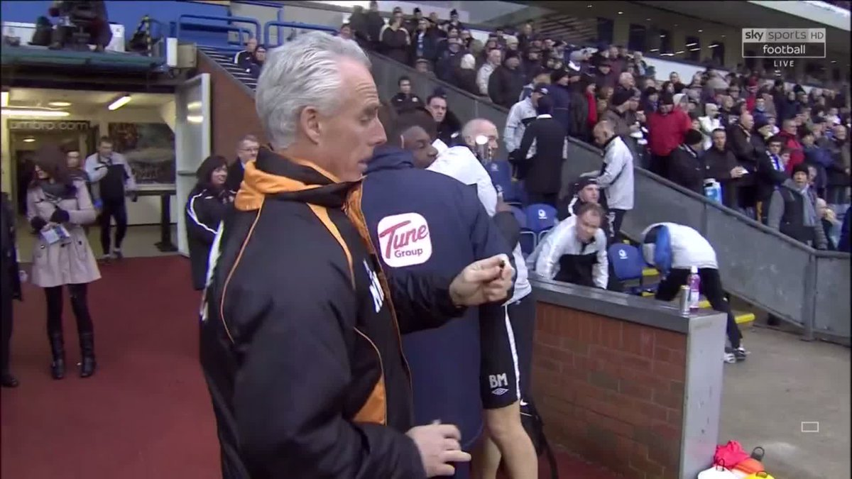 And we can't post Steve Bruce being scared by nothing, without posting Mick McCarthy being scared by nothing! 👻