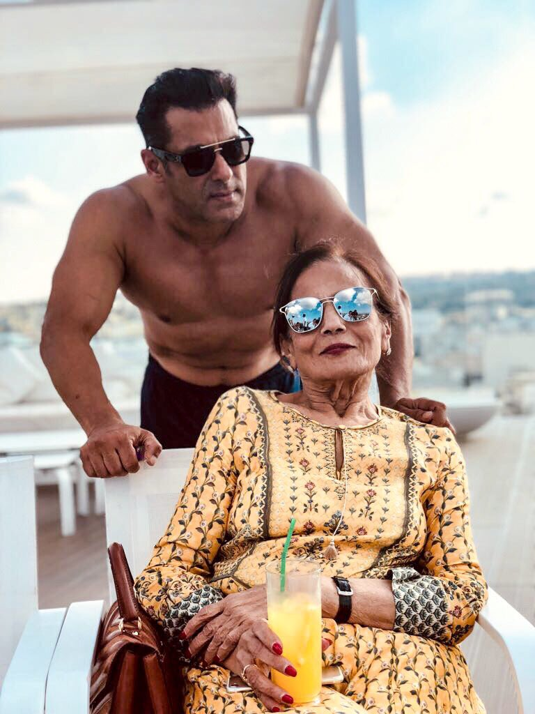 Bada wala blessing getting to spend time wid ur Maa .   #MaltaDiaries #Bharat