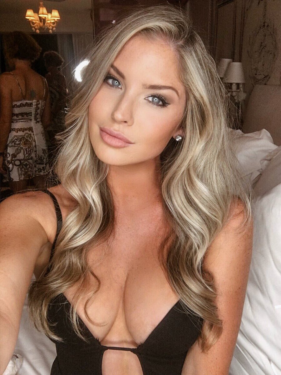Carly Lauren  - So much fun girlsgonemia twitter @MissCarlyLauren