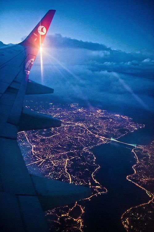Airplane views ✈️🛬🌆