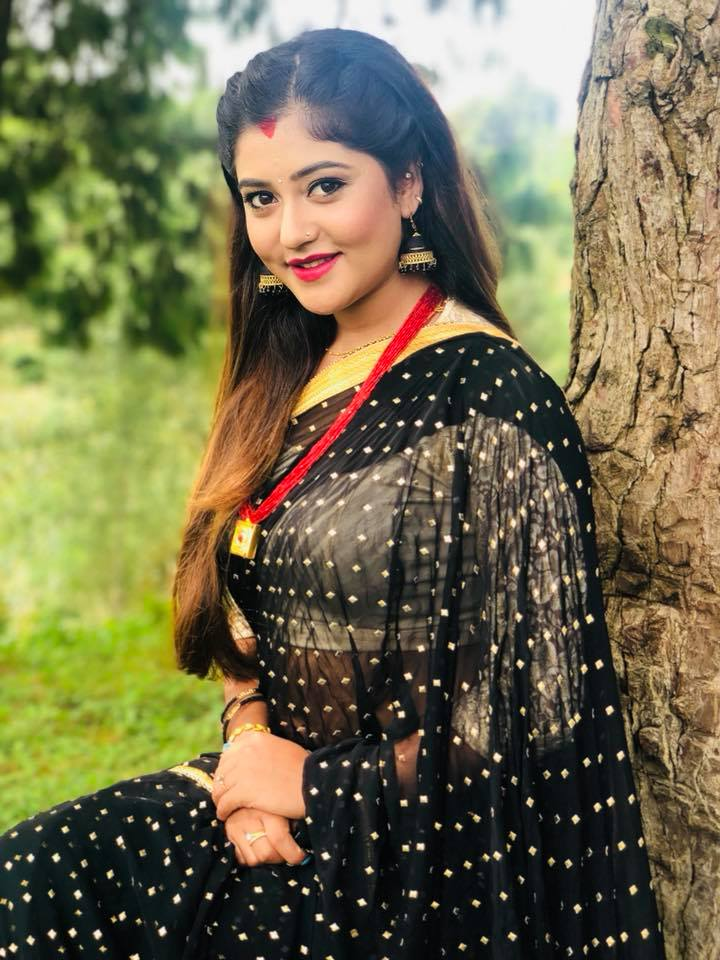 Indian lady necked nepali actres getting