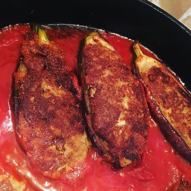 Been hangin out for these stuffed #eggplants for #dinner ❣️ #yummy  #stuffedeggplants 🍆🍆 https://t.co/nco3iIyxsw https://t.co/eBB8xEpBkd