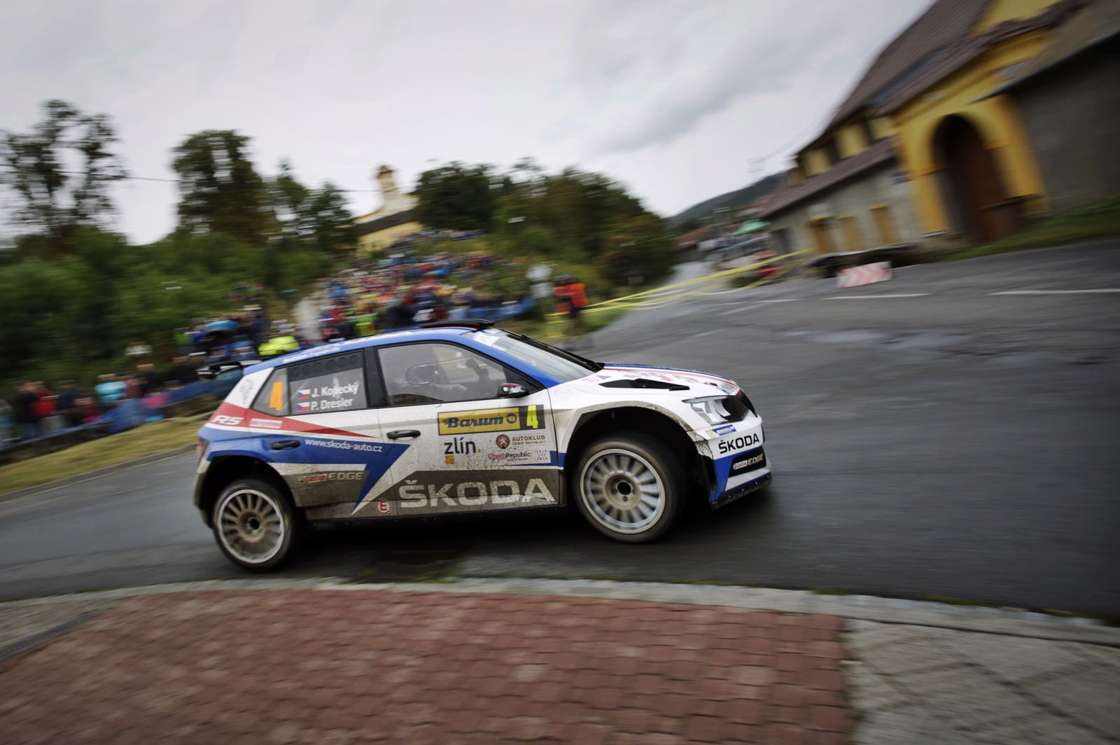 Rally Barum 2018 ERC - Página 3 DlhfuKGXcAAViUY