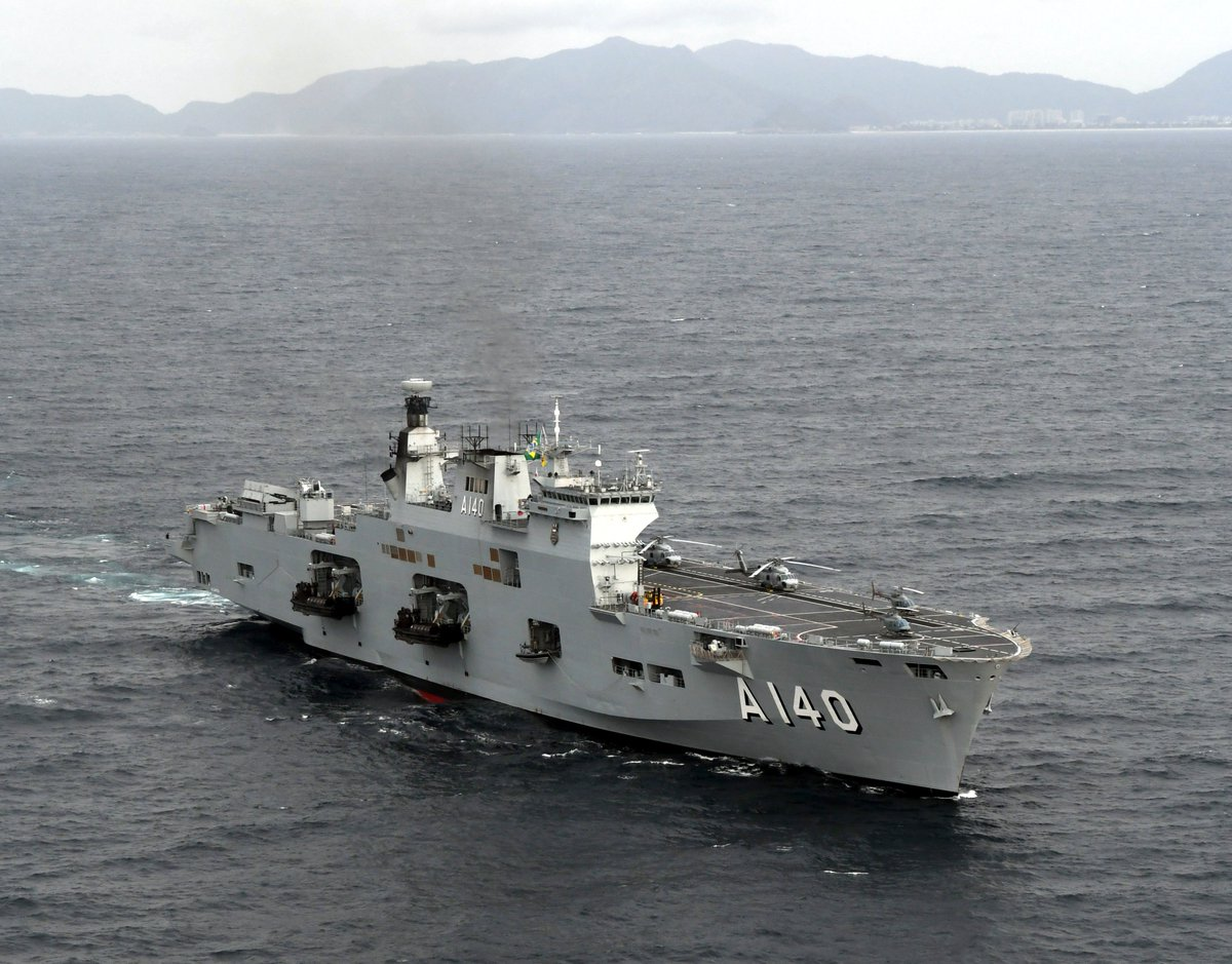 حاملة المروحيات البريطانية HMS Ocean DliRow-U0AEgGLL