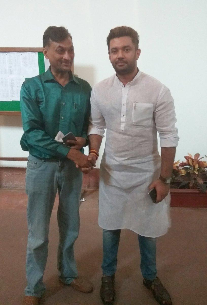 Dr Anil Jain Yoga Guru On Twitter Shri Chirag Paswan Ji Hon Ble Member Of Parliament And Actor He Is Son Of Hon Ble Union Minister Shri Ram Vilas Paswan Ji Yoga Guru And