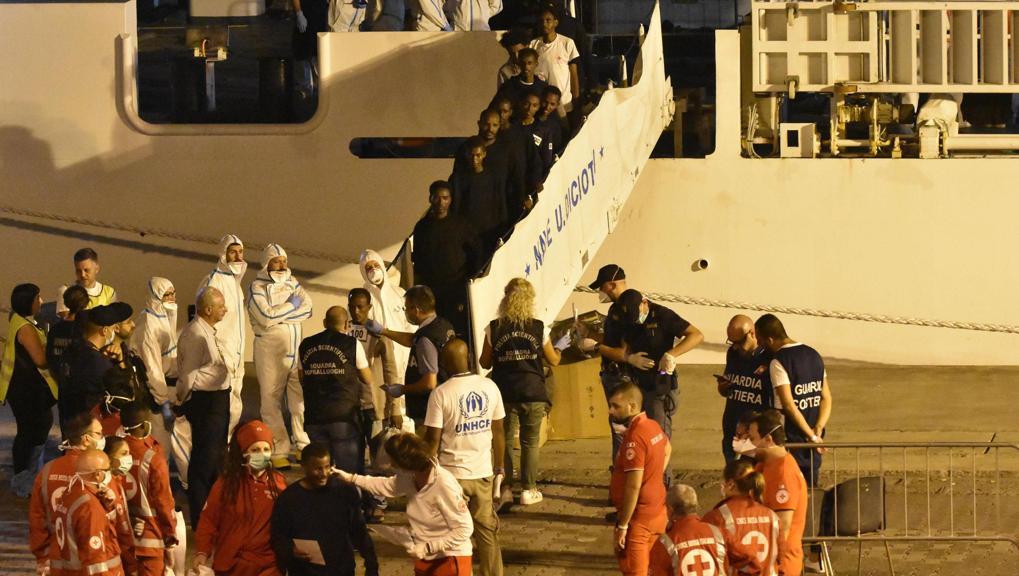 Fermati quattro uomini che erano a bordo della Diciotti: sono accusati di essere gli scafisti https://t.co/psxBnoToDv