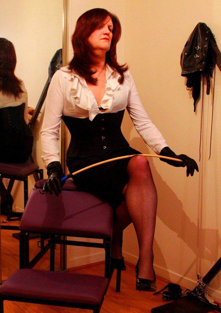... http://ukmistressguide.co.uk/news/voyeur-sessions-with-mistress-argenta-tg-submissive-heather/  … http://glasgow-dominatrix.com #cp #bdsm #discipline ...