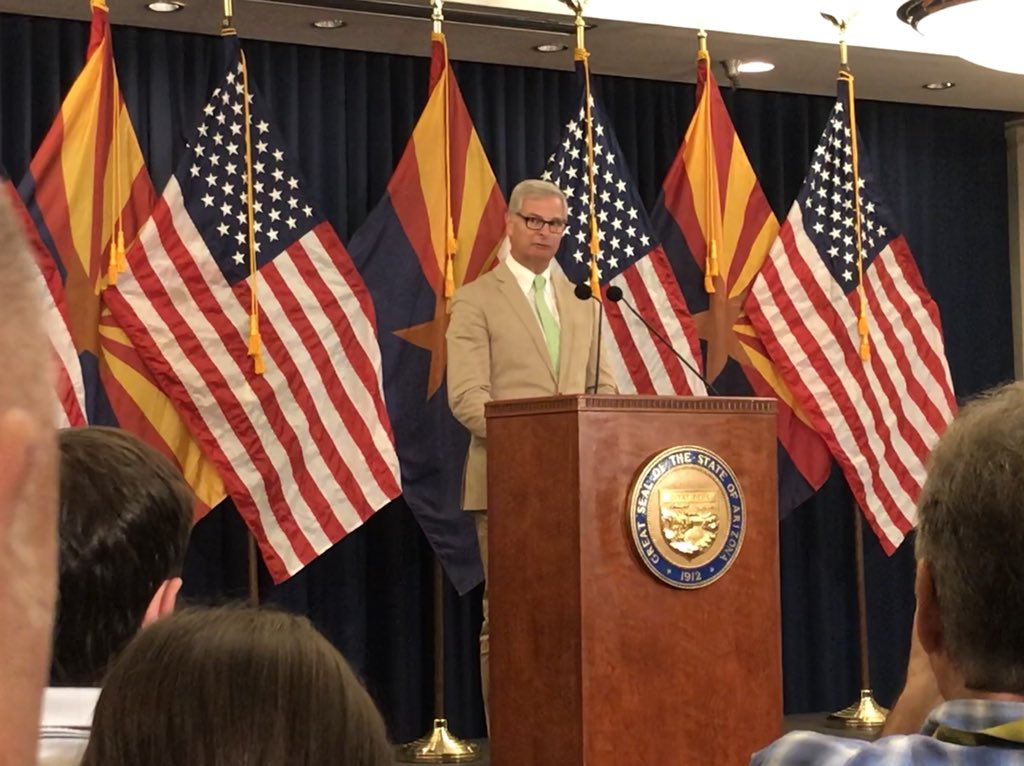 An emotional former campaign manager Rick Davis reads final letter to the American people from John McCain