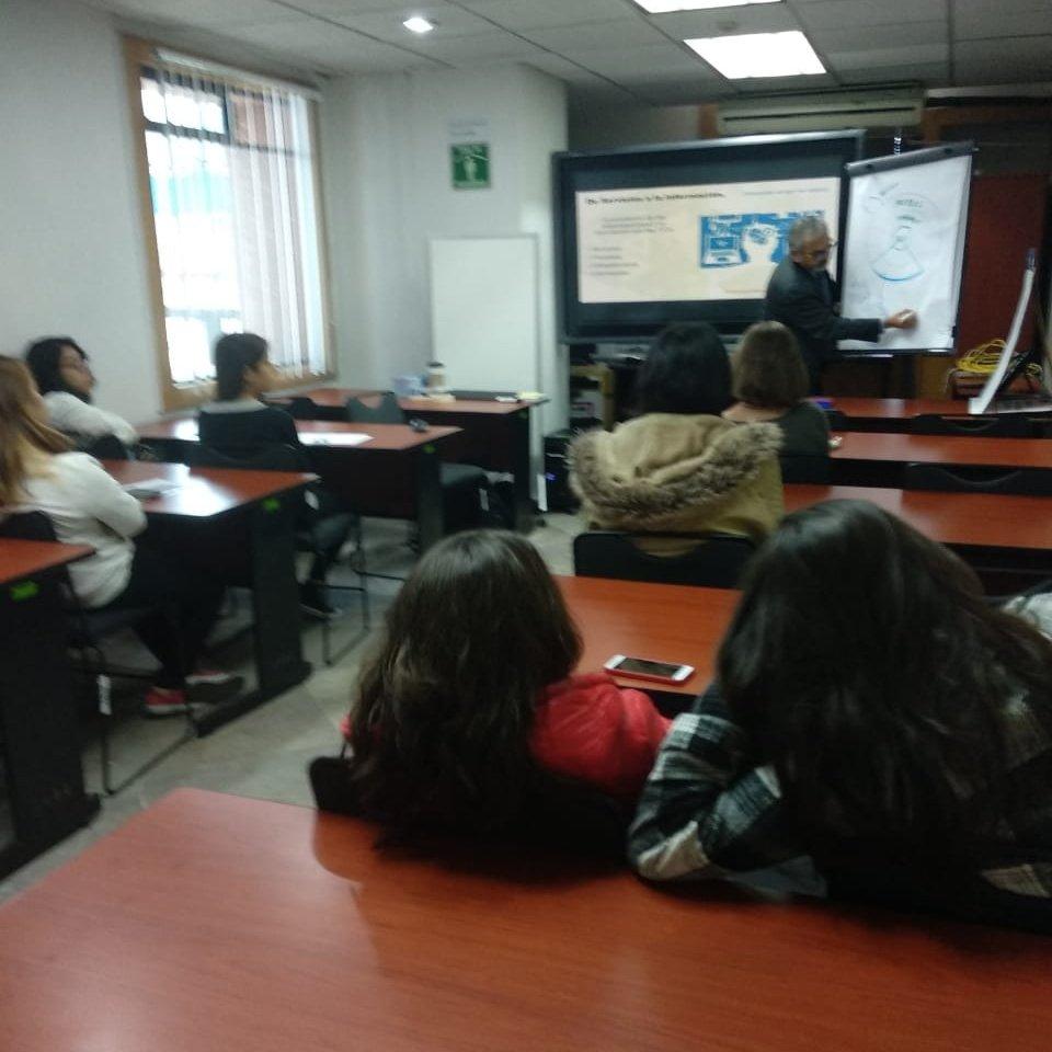 Taller de #AdministracióndeProyectos impartido por Humberto Guzmán de #Avantare en la #FeriaDeTalleres de las Caravanas #MexicacanasFuturo de @Amiti_WIT  Sigue la transmisión aquí: http://bit.ly/caravns-18  @CIC_IPN_OFICIAL @Red_LaTE_Mx