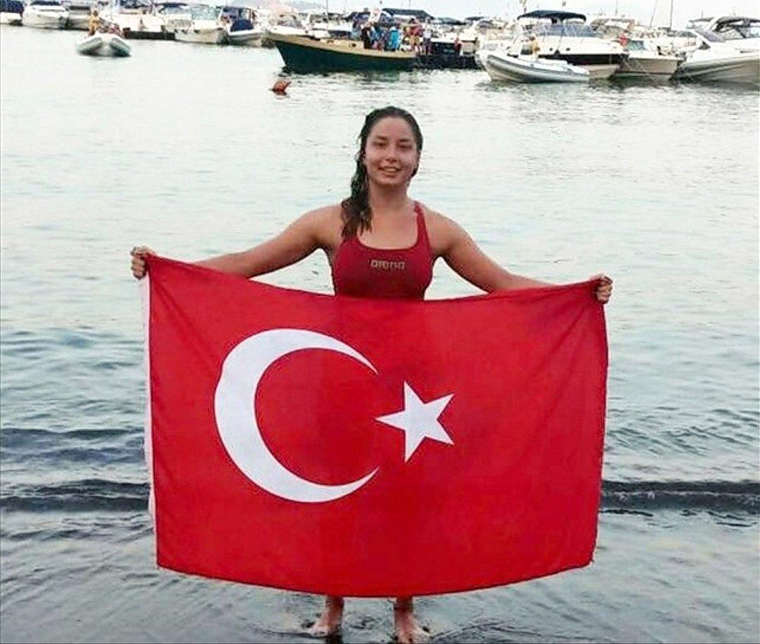 Manş Denizini en hızlı geçen Türk kadını: Bengisu Avcı