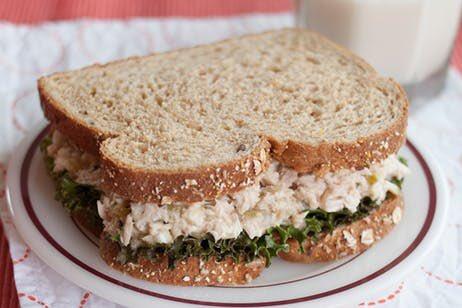 #Delicious #Chicken LESS #salad #sandwich #recipe https://t.co/tDDcEQ6adj #diy #MeatlessMonday #Vegan #vegetarian https://t.co/Y9sWUWnyXT