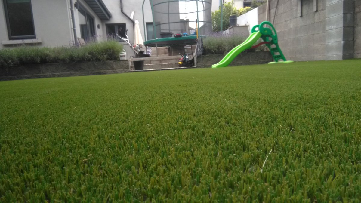 Completed photos of a garden in leopardstown. 120m2 of Royal Grass Silk 35 with a birdie putting green (stimp 9-10). Supplied and fitted by Dublin Artificial Grass. @DubArtificial   http://www.dublinartificialgrass.ie   #Ireland  #Dublin   #garden  #artificialgrass   #golf