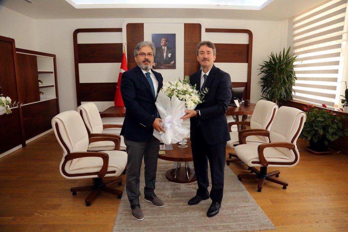 İstanbul Millî Eğitim Müdürü @farukyelkenci görevi Levent Yazıcı'ya devretti.