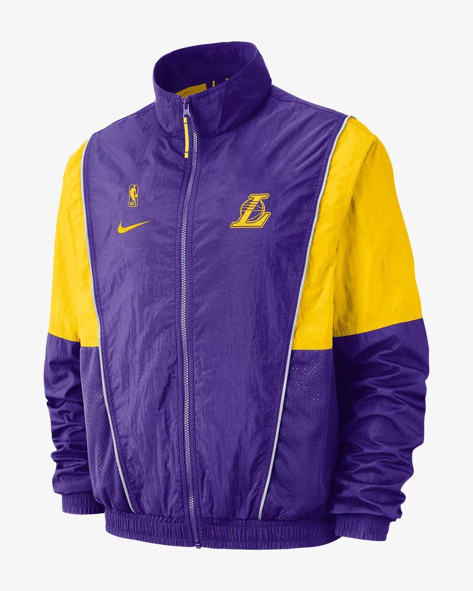 20d4e333342 NEW Nike x NBA Tracksuit Jackets available on  nikestore Link -   https   go.j23app.com 8op pic.twitter.com ur07DHE1Vc