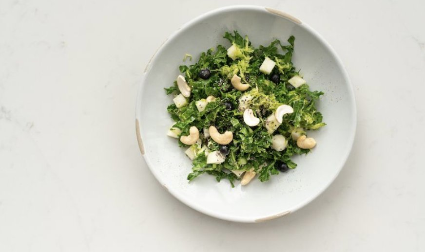 If you loooove kale, this marinated kale salad is your perfect match for dinner: https://t.co/Dz8d2Iwjg4 https://t.co/C7tNi79UdI