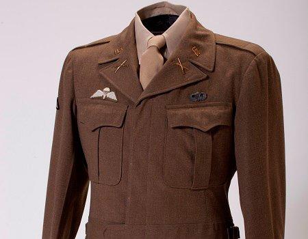 CIA #Museum Artifact of the Week: Uniform of #OSS Officer Col. William H. Pietsch, Jr.  https://t.co/EAxsSHASMi