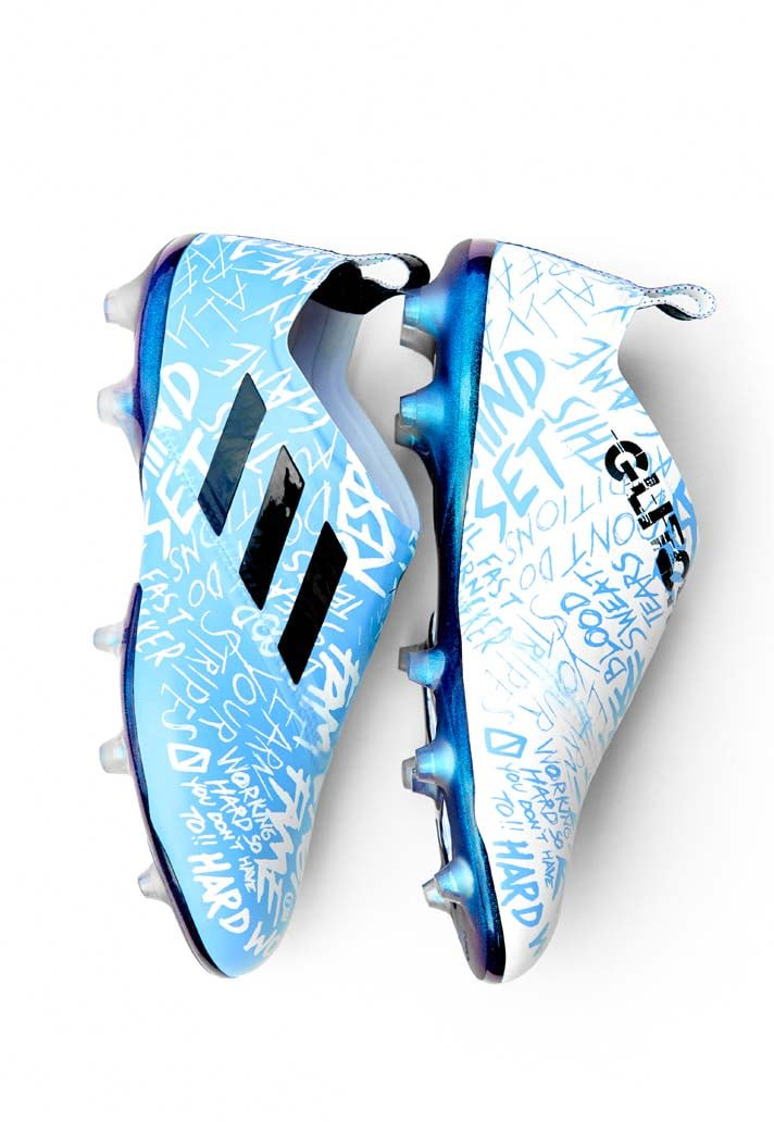 ac2b00913afe ... or UV light: https://www.soccerbible .com/performance/football-boots/2018/08/adidas-launch-the-glitch-18-prep-skins-pack/  …pic.twitter.com/PUvOelIVcz