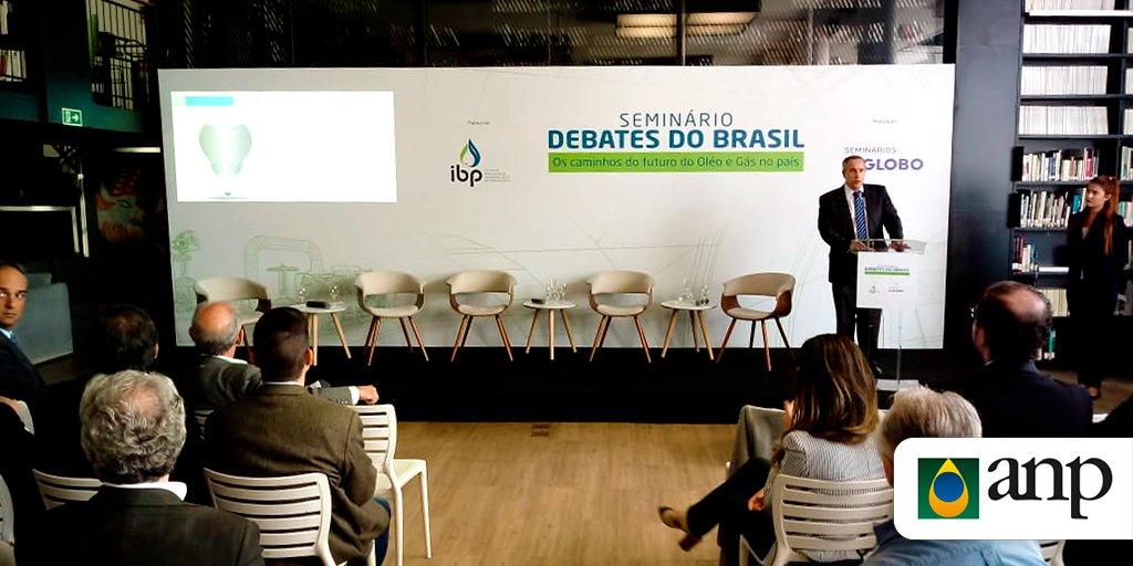 """Resultado de imagem para seminário """"Debates do Brasil - Os caminhos do futuro do Óleo e Gás no país"""