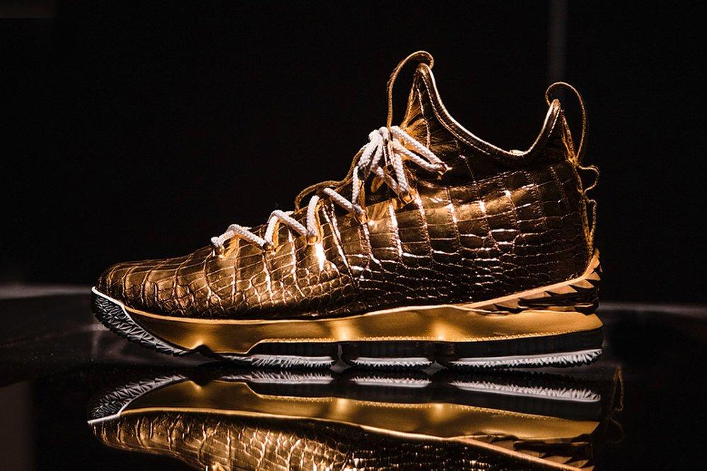 sports shoes d60d9 e883c Rumors.Design on Twitter: