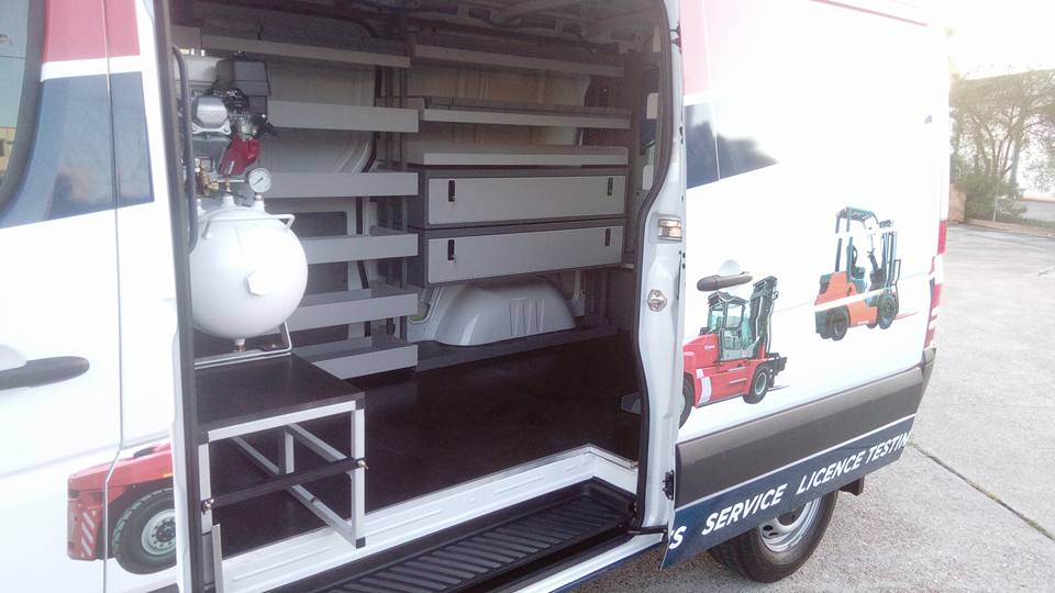 What a bloody good fit-out, even if we do say so ourselves! Tell us what you think. #vas #commercialvehicles #vanracking #vehicleaccessories #vanracks #tradie