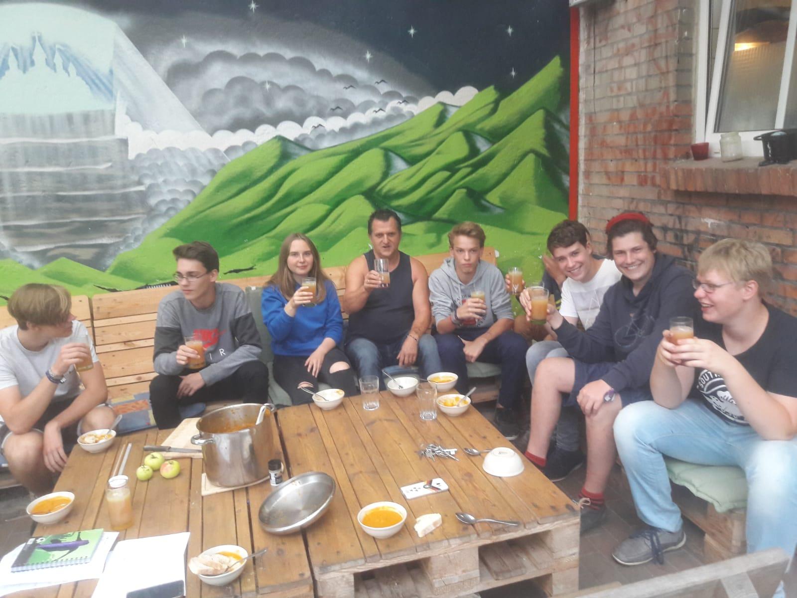 Cafe Hinterhof On Twitter Ein Danke Schon Fur Ein Jahr Im