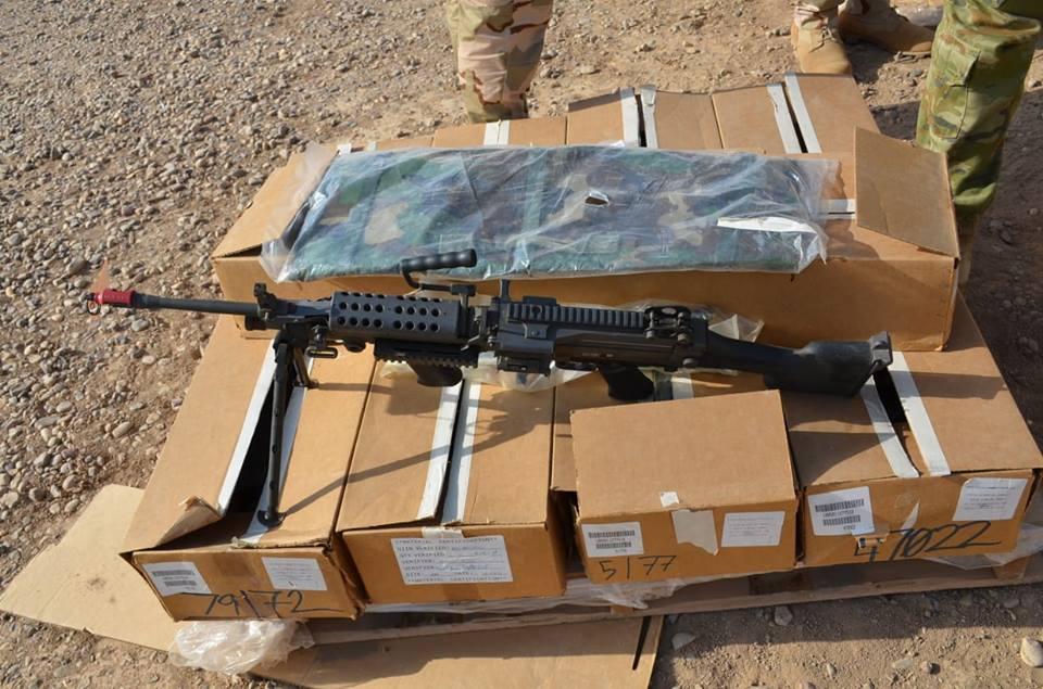لواء المشاة 41 ( فرقه 10 )  يستلم الدفعة الثانية من الأسلحة والتجهيزات الأمريكية DlwuybbXoAMTVV4