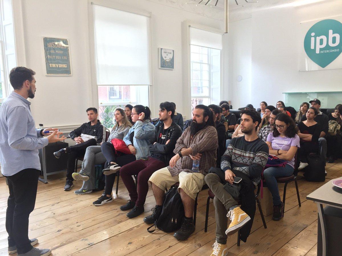 Na última segunda-feira, a IPB Intercâmbio deu início ao ciclo de workshops em Dublin. O primeiro foi sobre currículo e emprego na Irlanda! 🇮🇪 Fique de olho na nossa programação!! #vaideIPB #workingabroad #dublin #currículo #emprego #CV #employment https://t.co/h19tf51Ida