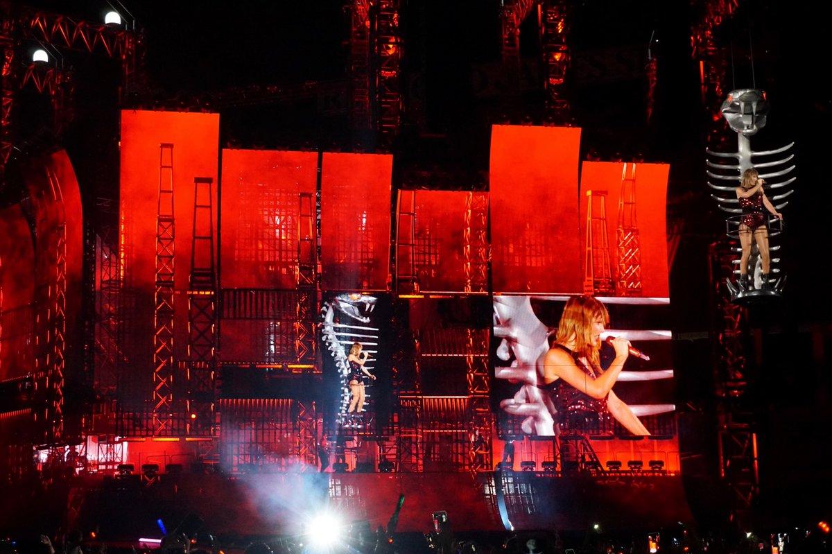 "Taylor Swift >> álbum ""reputation"" [III] - Página 46 DlxaItXW0AAK7xc"