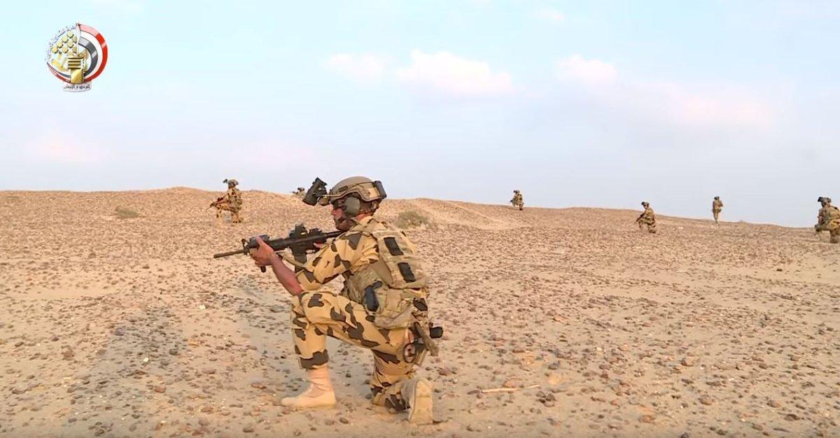 صور رائعة لمقاتلوا الوحدة 999 قتال... متجدد Dlxq1rdXgAAUV2u