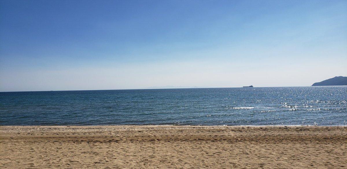 山口県は虹ヶ浜海水浴場!&広島の牛角! 海に入る気なかったけユニクロワンピースw https://t.co/3JlcEKcWBy