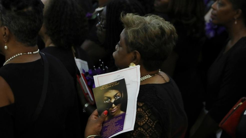 The Queen of Soul is honored by Delta Sigma Theta: https://t.co/yYhaO8pvQz