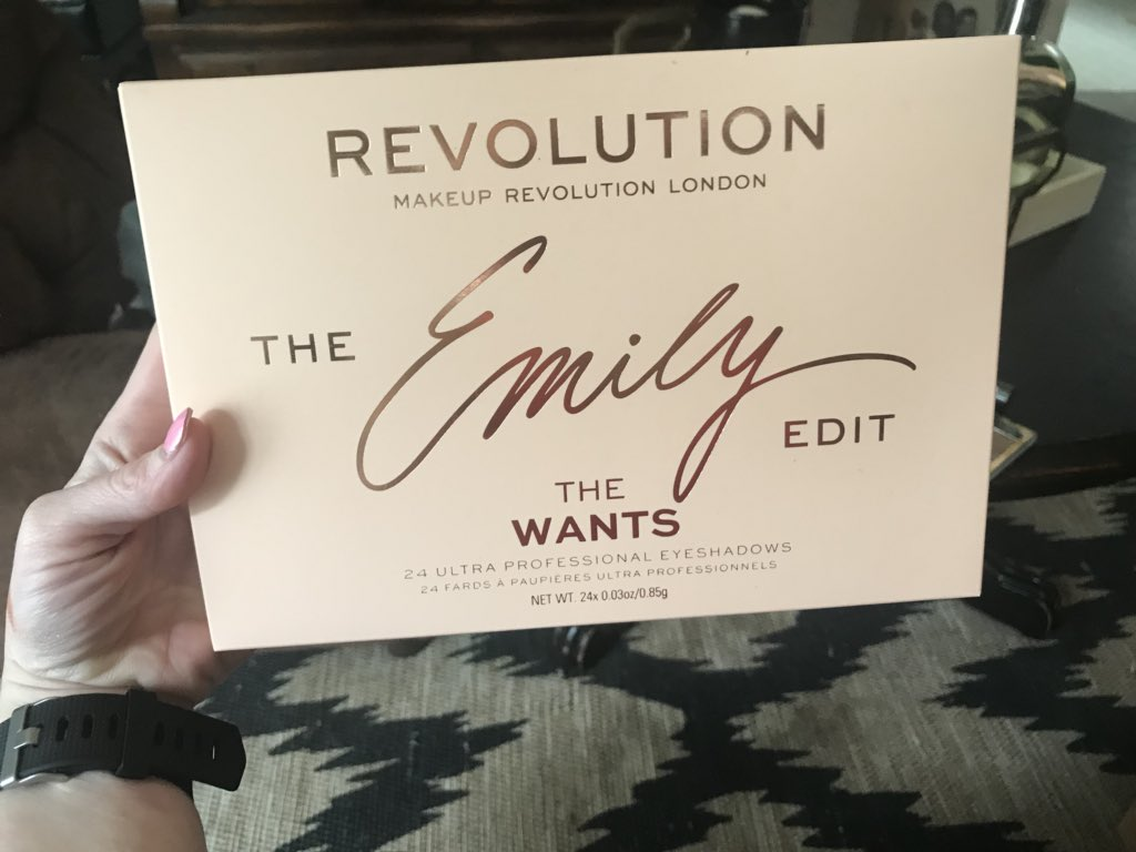 SOOOO excited to receive the wants pallet by @emilynoel83!!! It's truly even more gorgeous in person!!😍