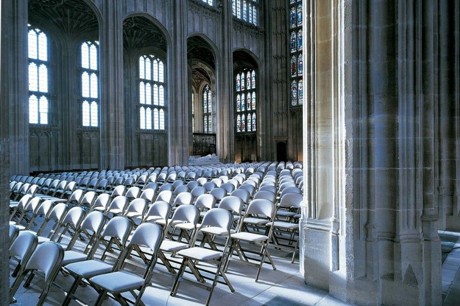 Our folding chairs looking regal at glorious Windsor Castle https://t.co/gxTJ48LAdB  #royalconnection #winterwhite