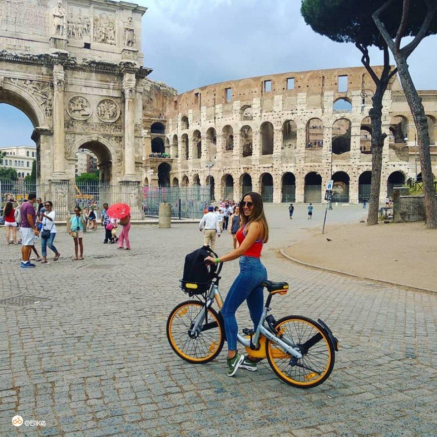 Ma quanto manca al #weekend ? #Roma #colosseo #pontemilvio #13settembre #Italia #italy #greenmobility #freedom #bikesharing #mobility #green #Sustainability #sustainable #cities #cycling #cyclinglife #urbanmobility  - Ukustom