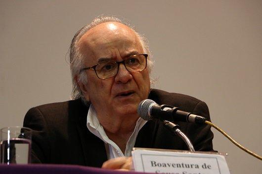 Boaventura de Sousa Santos palestra na @fiocruz sobre #democracia e transformação social https://t.co/hgsroQuE0m