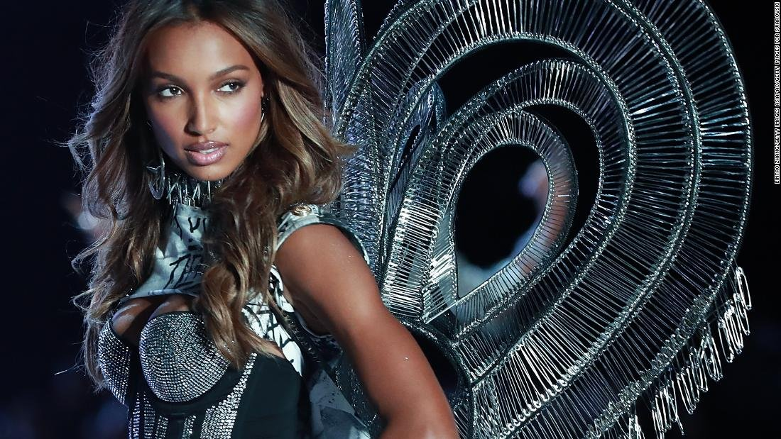 When will the Victorias Secret Fashion Show become size-inclusive? cnn.it/2NaDKVK