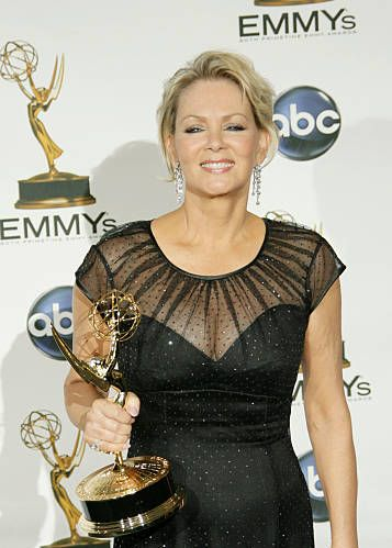 Happy Birthday Jean Smart (only fitting to use this photo)