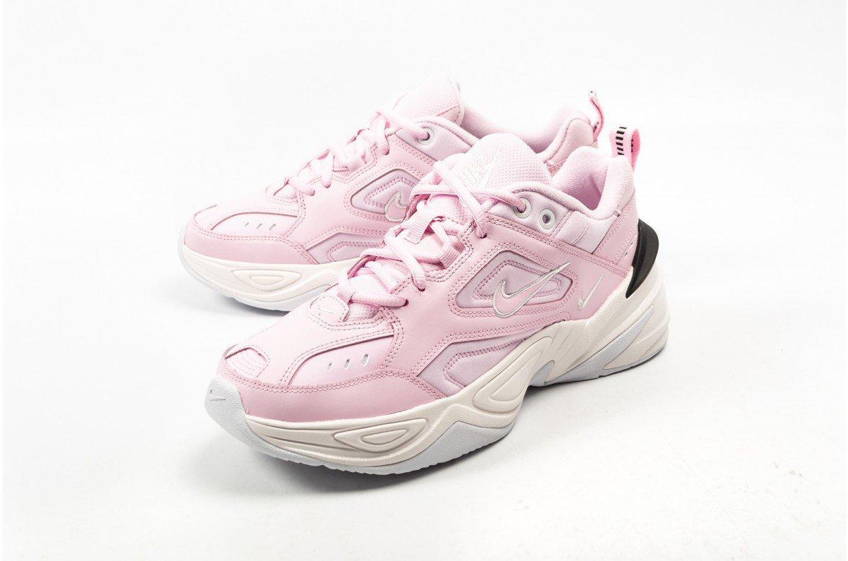 bfc6036b29d Sneaker Shouts™ on Twitter: