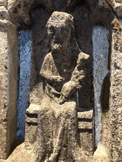 15th century Madonna and Child (and other scenes) on a Lantern Cross carved from Polyphant granite Foto
