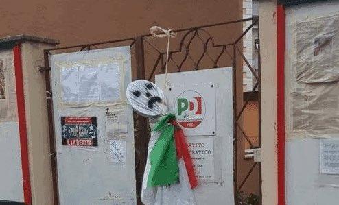 """Qualunque atto intimidatorio è da condannare, sia chiaro!!! Ma la frase """"Chi semina odio raccoglie odio"""" contro Salvini andava bene quando a dirlo erano esponenti del #PD!!! #PonteMilvio  - Ukustom"""